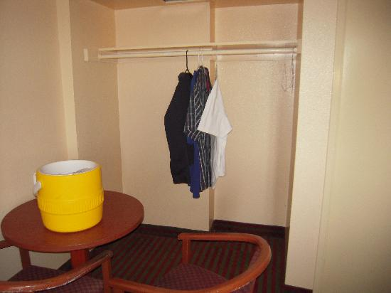 Beachwalker Inn & Suites: and the room closet