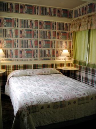 Sequoia Motel in Three Rivers: The Library - too small to be a bedroom