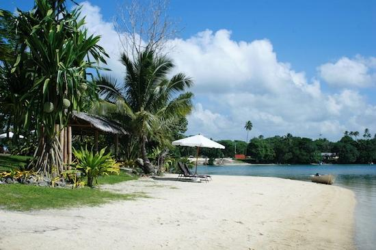 Oyster Island Resort: Beach in front of Restaurant