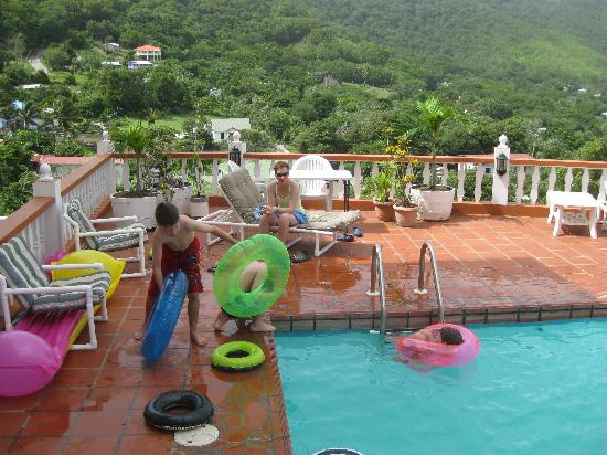 Carriacou Grand View: pool