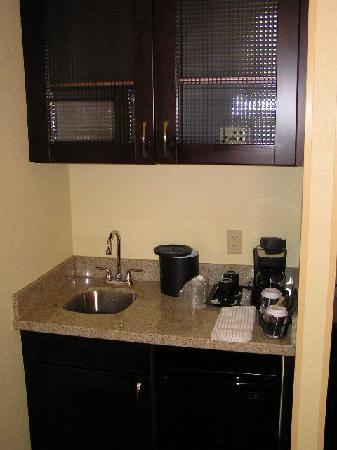 SpringHill Suites Dulles Airport : Mini kitchen