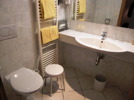 Hotel Imlauer & Bräu: Badezimmer