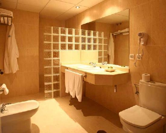 Alange, Spain: Cuarto de baño