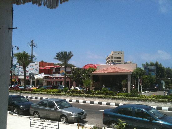 Paradise Inn Beach Resort: The front of the hotel is along what appears to be a seedy looking strip mall