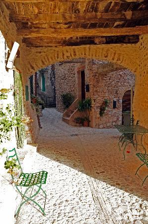 Il Borgo di Messenano : the old hamlet-il borgo