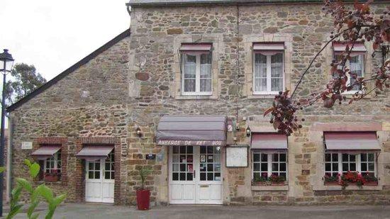 Auberge de Ket 'Hou: Exterior - it's nicer inside