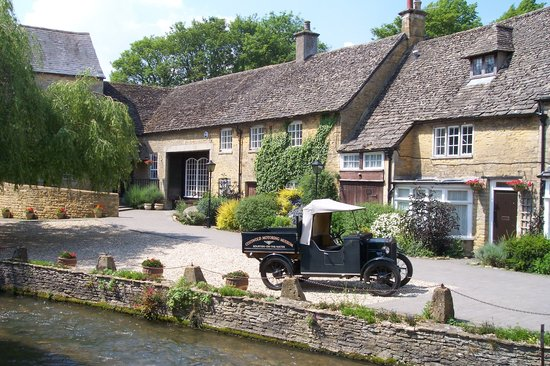 Cotswold Cottages Bourton On The Water Cotswolds Uk Lodge Reviews Photos Rate Comparison Tripadvisor