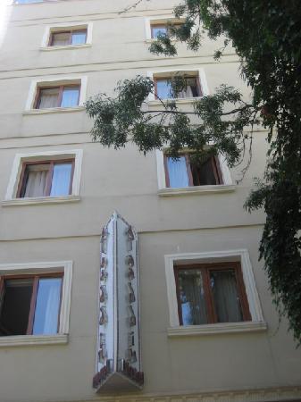 Aldem Hotel: Alaaddin Hotel Front side