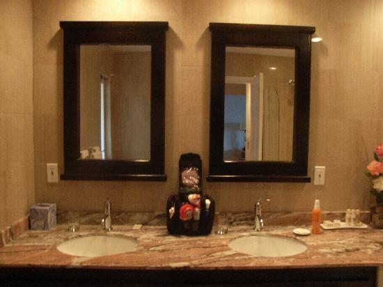 Princess Heights Hotel: bagno 2