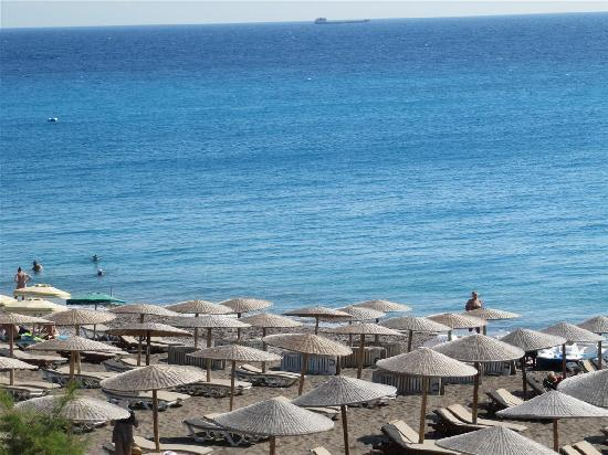 Hotel Mediterranean: Hotel beach as seen from our room balcony
