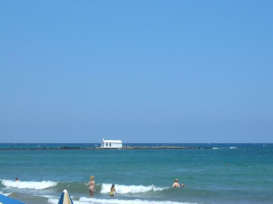 Kalivaki Studios Hotel: Church from the beach