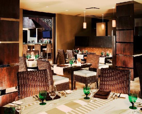Las Palomas Beach & Golf Resort: Dining