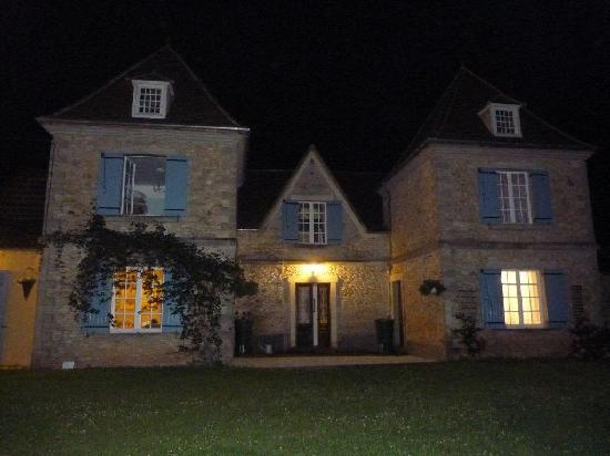 Saint-Cyprien, France: le Chevrfeuille by night