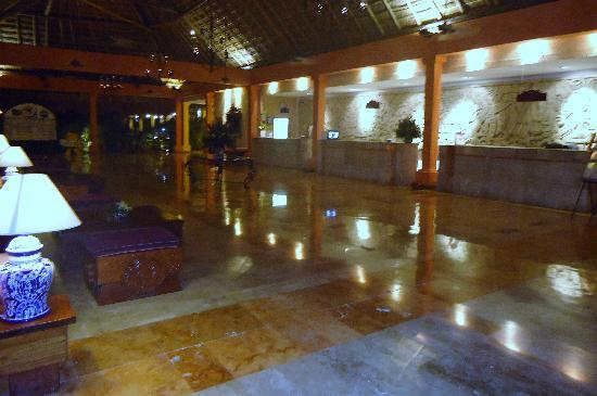Iberostar Tucan Hotel: lobby