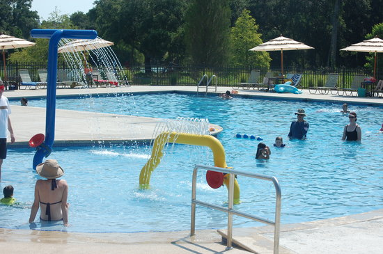 Seabrook Island Resort: We loved the pool at the lakehouse.