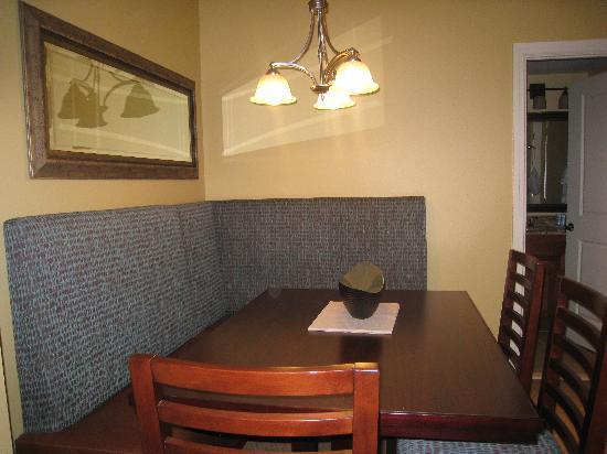 Wyndham Vacation Resorts At National Harbor: dining room