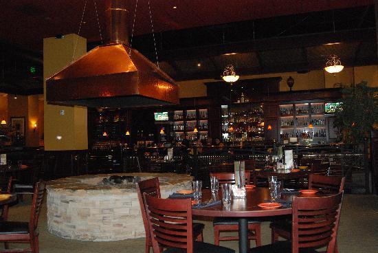 Bentley's Grill: interior