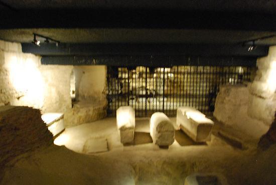 Basilique de Saint-Denis : Crypt
