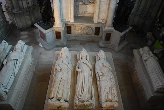 Saint-Denis, France : Some of the buried kings and queens