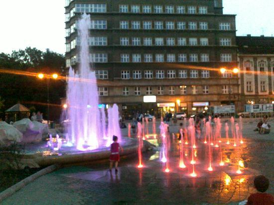 Kraków, Polen: Fountains just off the Square