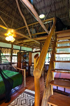 Cotton Tree Lodge: Family Cabana loft with two twin beds