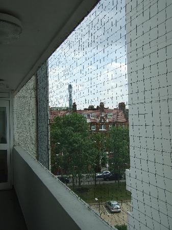 Marylebone Hall: view outside... of room
