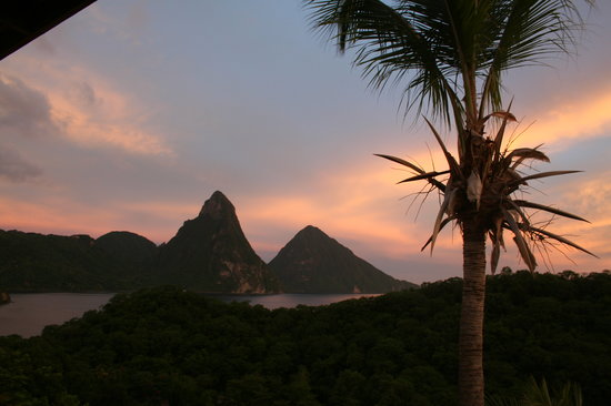 Anse Chastanet : sunset over the Pitons