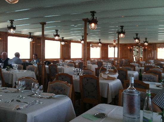 La Suisse Steam paddle boat. : Restaurant onboard