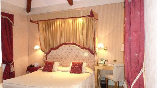 Hotel a La Commedia: Notre chambre