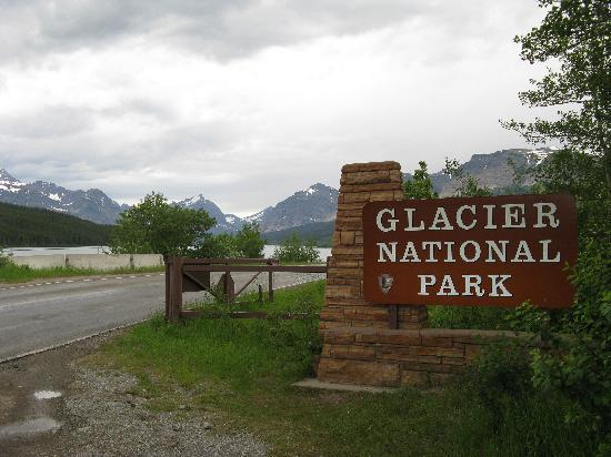 Many Glacier Campground: Entrance to Many Glacier section of the Park