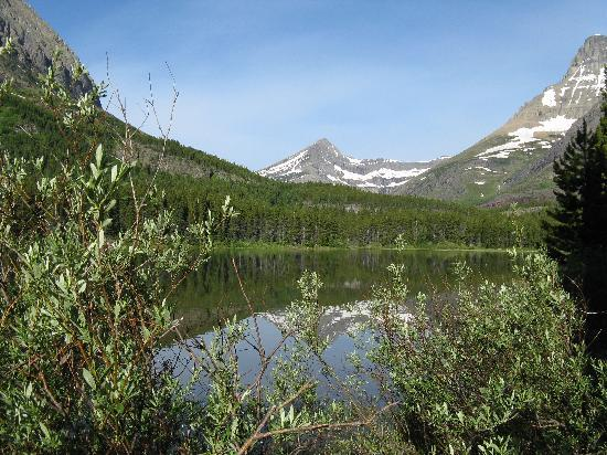 Many Glacier Campground: Fishercap Lake