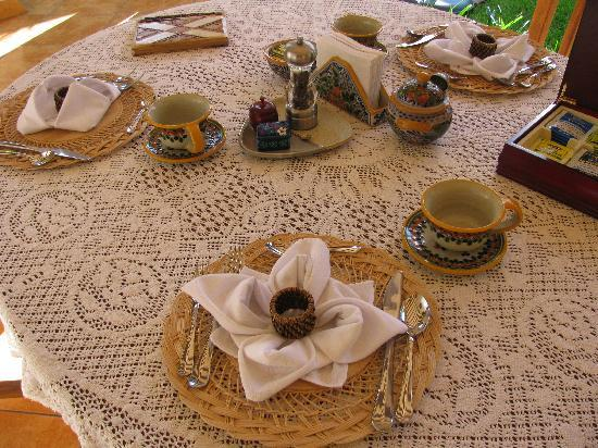 Casa Chocolate Bed and Breakfast : beautiful breakfast table
