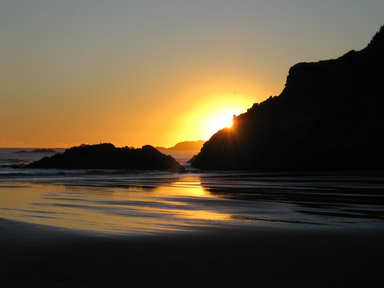 New Plymouth, Nya Zeeland: Sunset at low tide