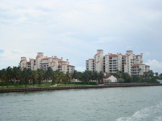 16.-Miami Beach: crucero- propiedades en Fisher Island