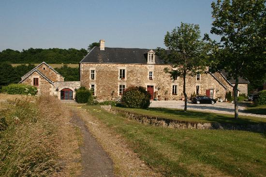 Saint-Louet-sur-Seulles, Francia: View from the main road