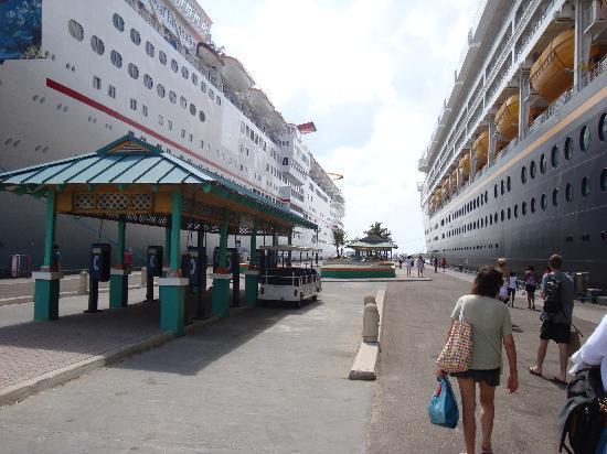 Castaway Cay : Wonder Ship from Disney also docks in Nassau Bahamas