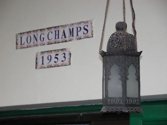 Hotel Longchamps: Außen