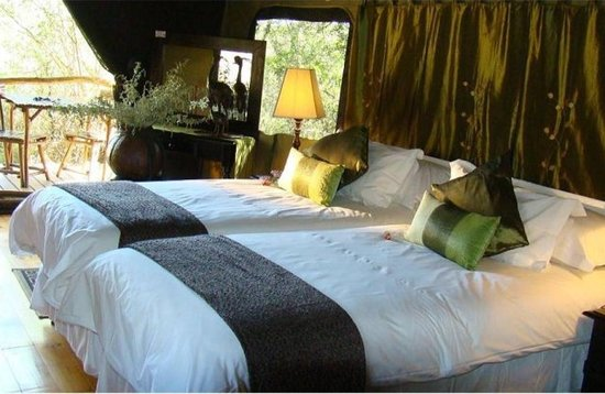 Chandelier Game Lodge & Ostrich Show Farm: Luxury Tented Chalets