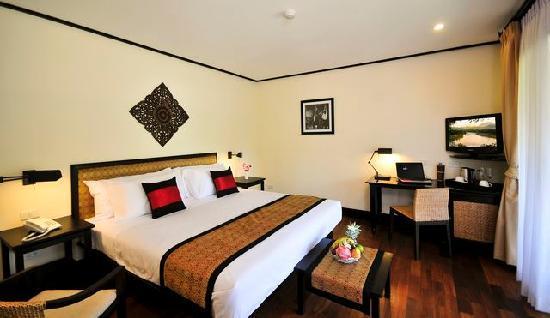 "Ansara Hotel: A ""Savvy"" room"