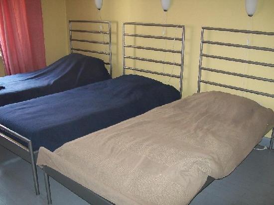 Hotel Bella Napoli: habitación triple