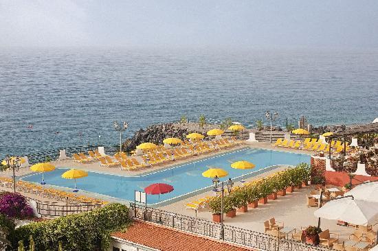 Hilton Giardini Naxos: Pool
