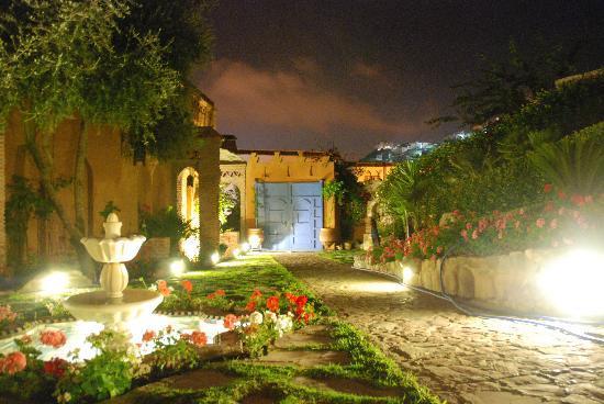Dar Echchaouen: Jardin magnifique