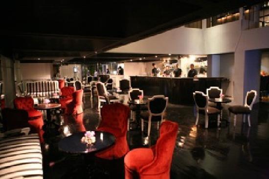 The Phoenix : lounge