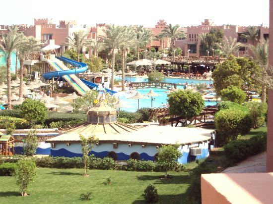 Rehana Sharm Resort: Pool with slides