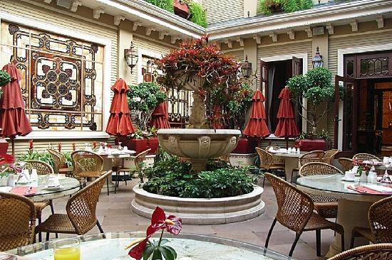 Hotel Grano de Oro San Jose: The Breakfast Courtyard