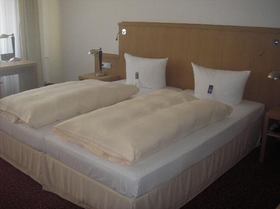 Romantik Hotel Zur Schwane: Das gemütliche Bett