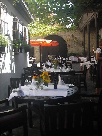 Romantik Hotel Zur Schwane: Der Innenhof des Restaurants