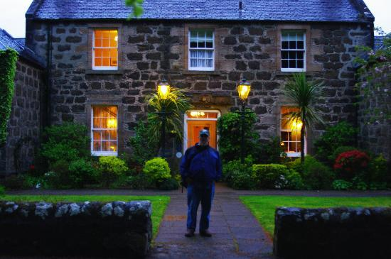 Manor House Hotel: evening cigar at the hotel