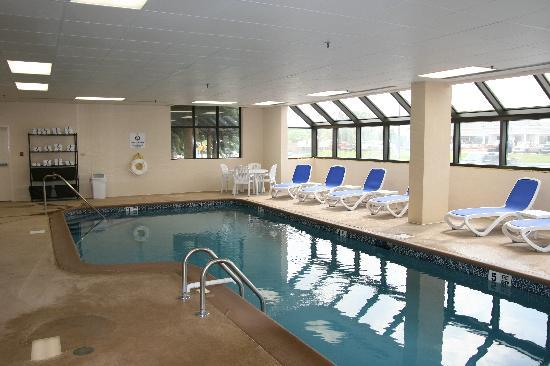 Comfort Inn & Suites: Our Indoor Heated Pool