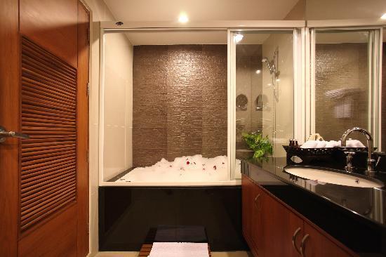 Amaranta Hotel: Royal Suite's bathroom
